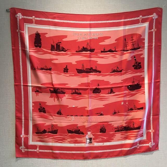 上本町のお客様からエルメスのスカーフ【FEUX DE ROUTE APERCUS LA NUIT EN MER】を買取_01