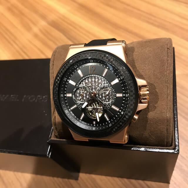 天王寺のお客様からマイケルコースの腕時計を買取_01