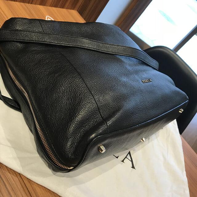 上大岡のお客様からフルラのバッグ【リズ】を買取_02