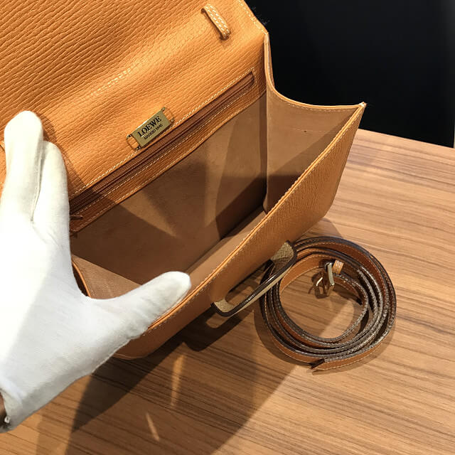 京都市山科区のお客様からロエベのバッグ【バルセロナ】を買取_04