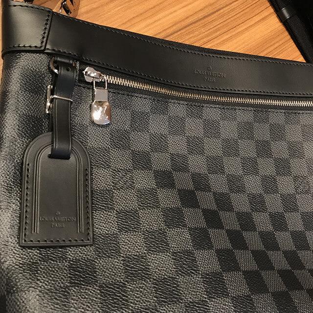 十三のお客様からヴィトンのダミエグラフィットのバッグ【ミックPM】を買取_02