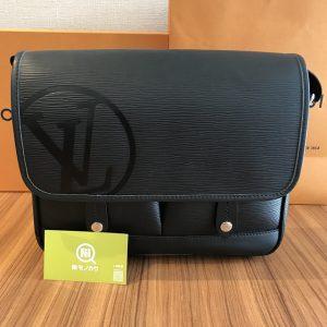 田園調布のお客様からヴィトンのバッグ【メッセンジャー・ダウンタウンPM】を買取