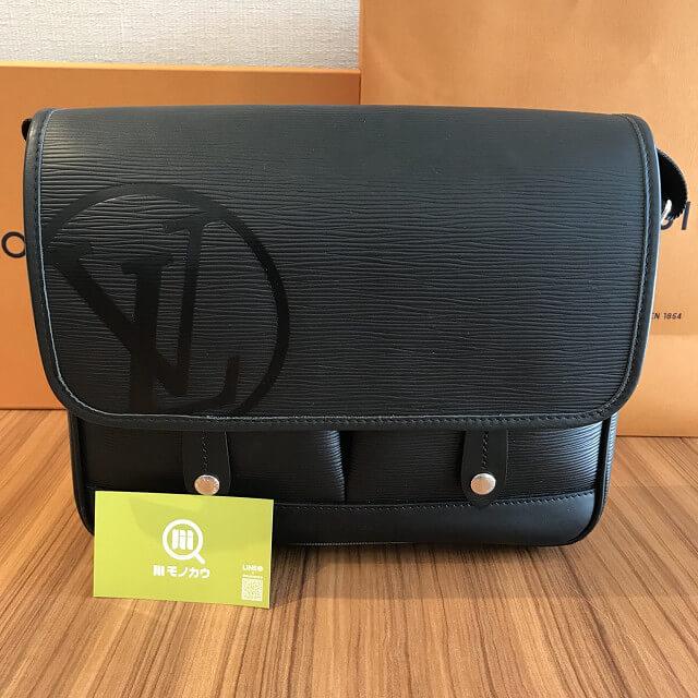田園調布のお客様からヴィトンのバッグ【メッセンジャー・ダウンタウンPM】を買取_01