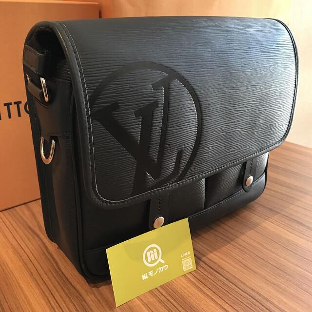 田園調布のお客様からヴィトンのバッグ【メッセンジャー・ダウンタウンPM】を買取_02