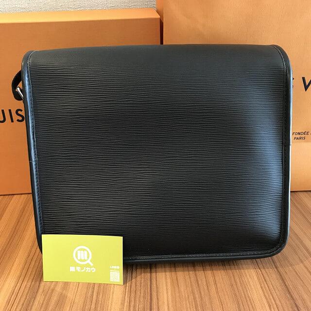 田園調布のお客様からヴィトンのバッグ【メッセンジャー・ダウンタウンPM】を買取_04