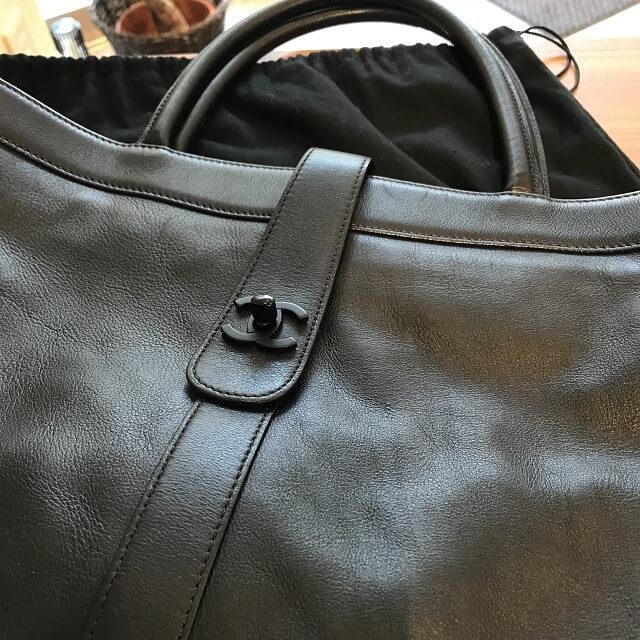 森ノ宮のお客様からシャネルの【エグゼクティブ トート】バッグを買取_02