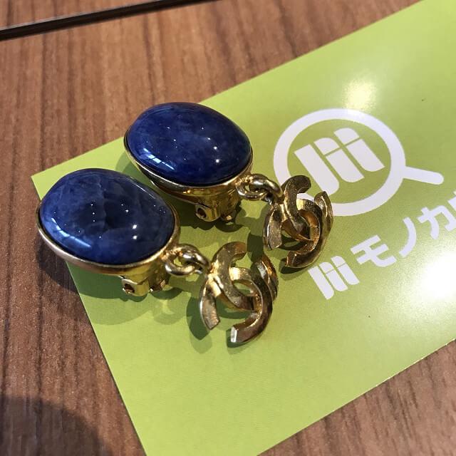 堀江のお客様からシャネルのイヤリングを買取_04