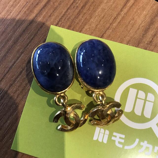 堀江のお客様からシャネルのイヤリングを買取_02