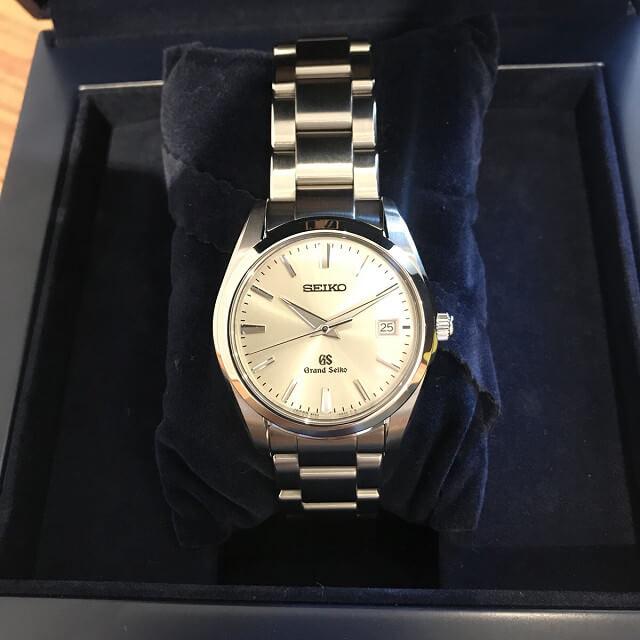 柏のお客様から宅配買取にてグランドセイコーの腕時計を買取_02