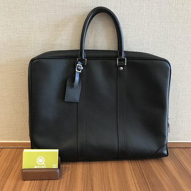 宝塚のお客様からヴィトンのエピのバッグ【ポルトドキュマン・ヴォワヤージュ】を買取_01