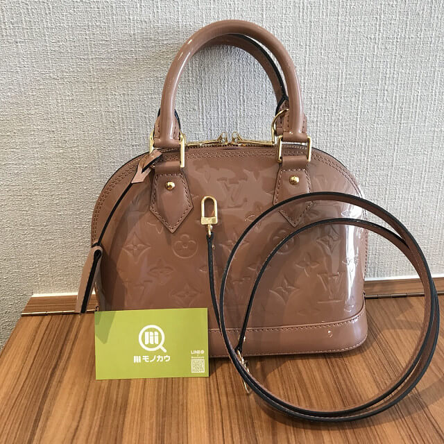 淡路のお客様からヴィトンのヴェルニのバッグ【アルマBB】を買取_02