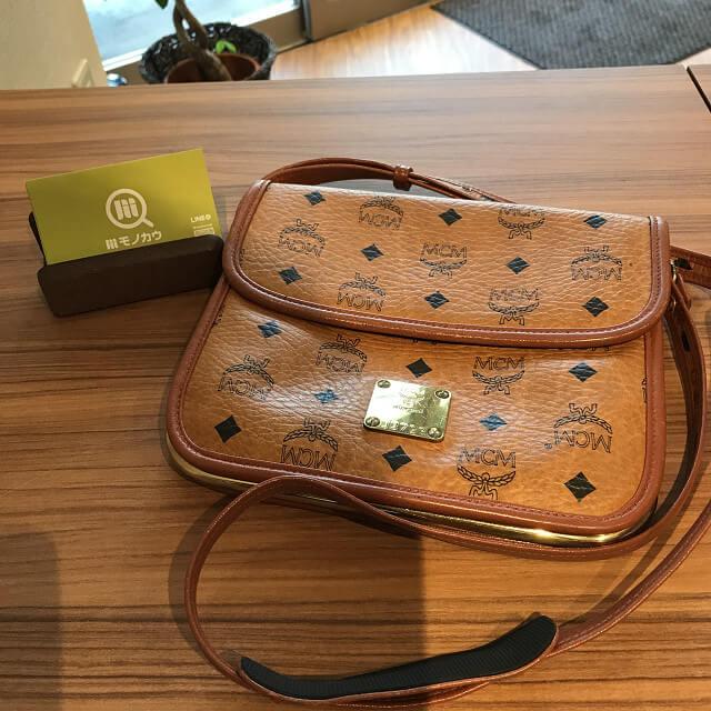 318f9f8e0ef3 大阪市天王寺区のお客様からMCMのショルダーバッグを買取_01 ...
