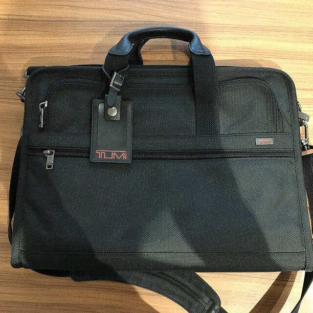 横浜元町中華街のお客様からTUMI(トゥミ)の2wayバッグを買取_02