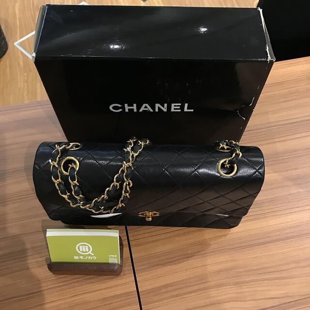 川口市からシャネルのマトラッセのチェーンバッグを買取_04
