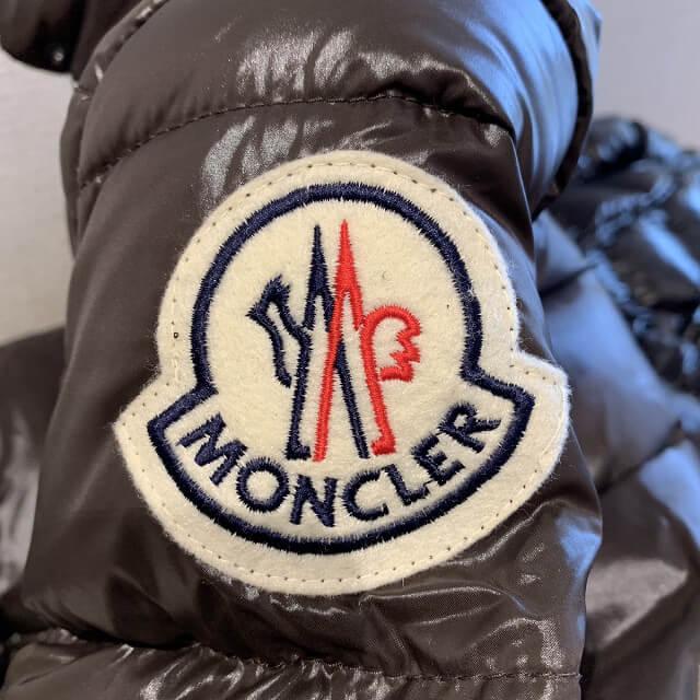 香芝のお客様からモンクレールのダウンジャケットを買取_04