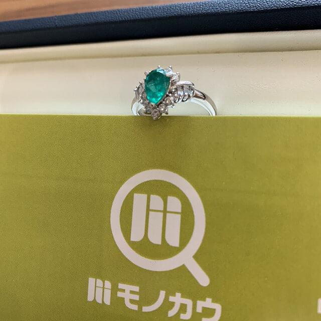天王寺のお客様からエメラルドの指輪を買取_02