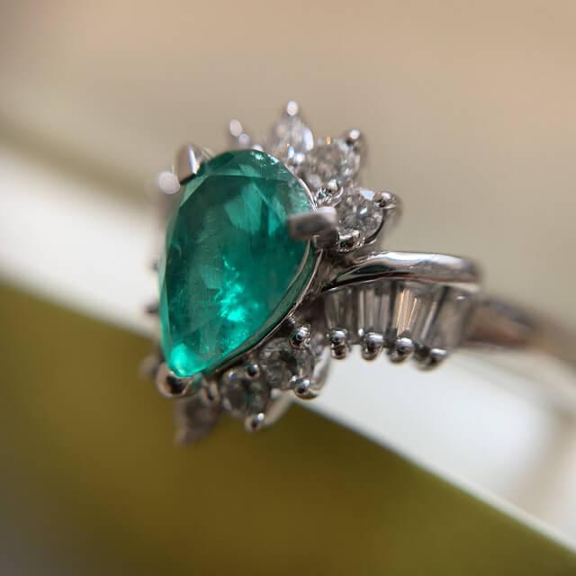 天王寺のお客様からエメラルドの指輪を買取_04