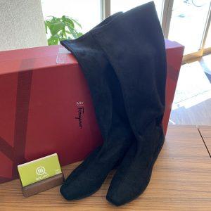 高田馬場からフェラガモのブーツを買取