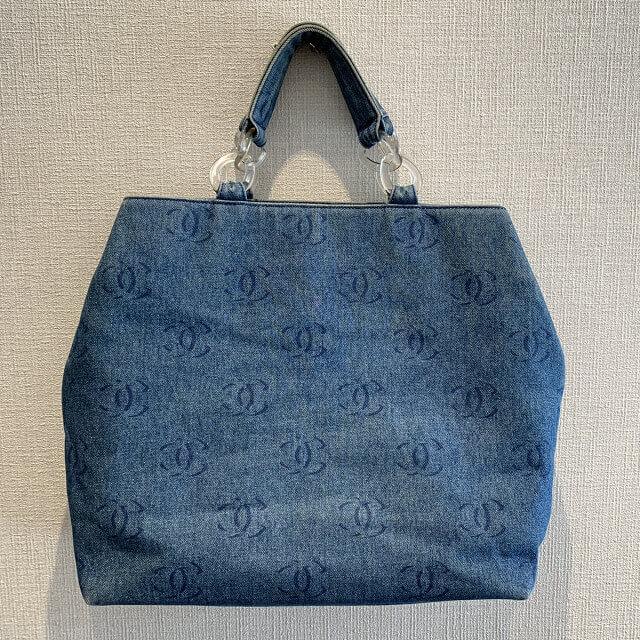 天王寺区のお客様からシャネルのデニムトートバッグを買取_01
