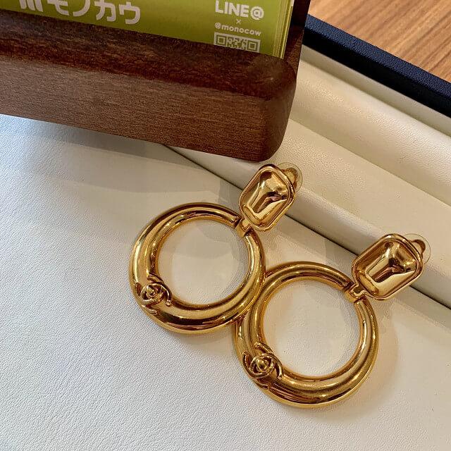 宇治からシャネルのココマークゴールドイヤリングを買取_02