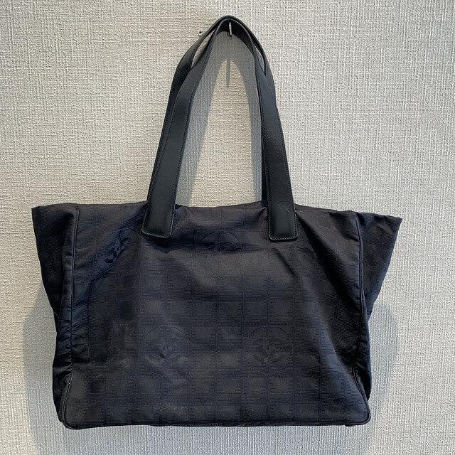 福知山からシャネルのニュートラベルトートバッグを買取_01