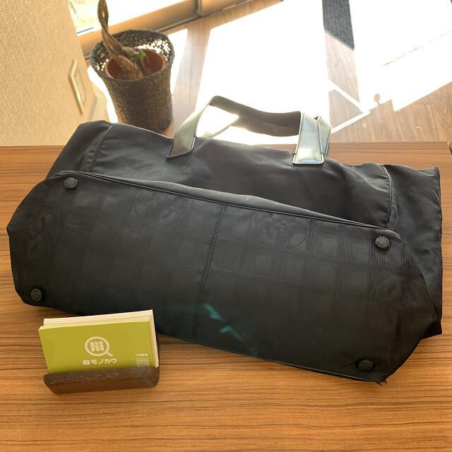 福知山からシャネルのニュートラベルトートバッグを買取_04