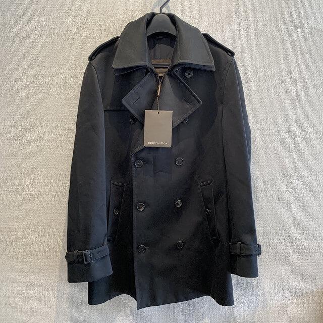 松戸市からヴィトンのレディースコートを買取_01