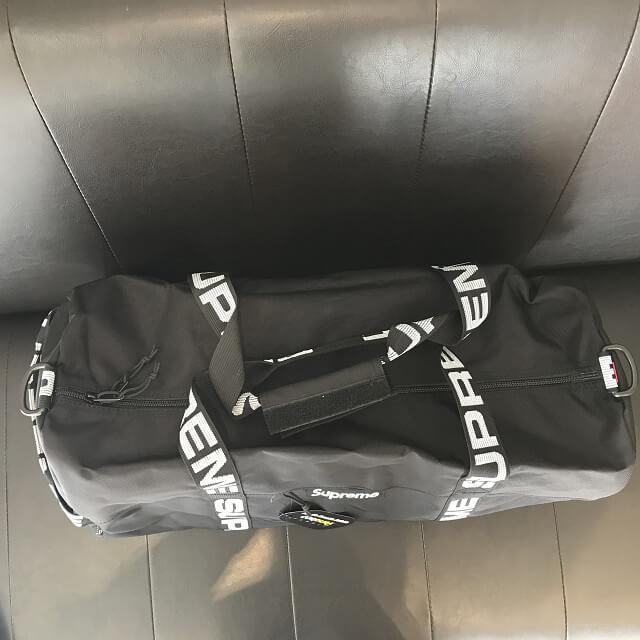 泉大津のお客様からシュプリームのラージダッフルバッグを買取_02