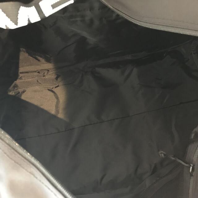 泉大津のお客様からシュプリームのラージダッフルバッグを買取_04