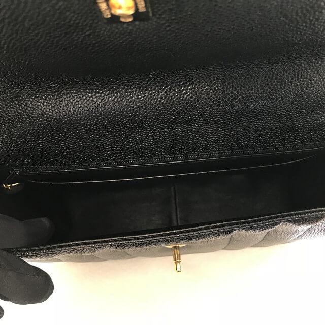 玉造のお客様からシャネルのキャビアスキンのハンドバッグを買取_03
