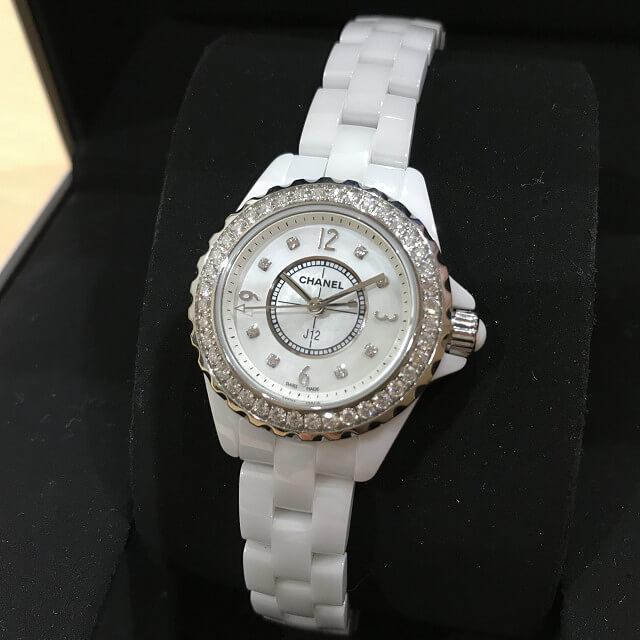 堺市鳳のお客様からシャネルの腕時計【J12】を買取_02