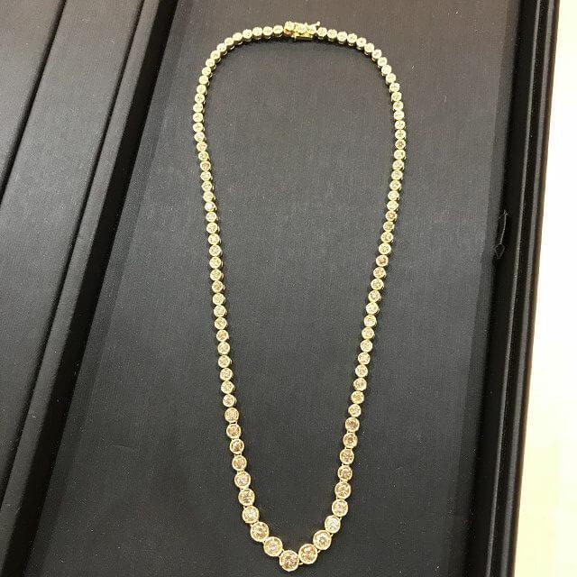 鶴橋のお客様からダイヤモンドの総カラット数5.00ctのネックレスを買取_02