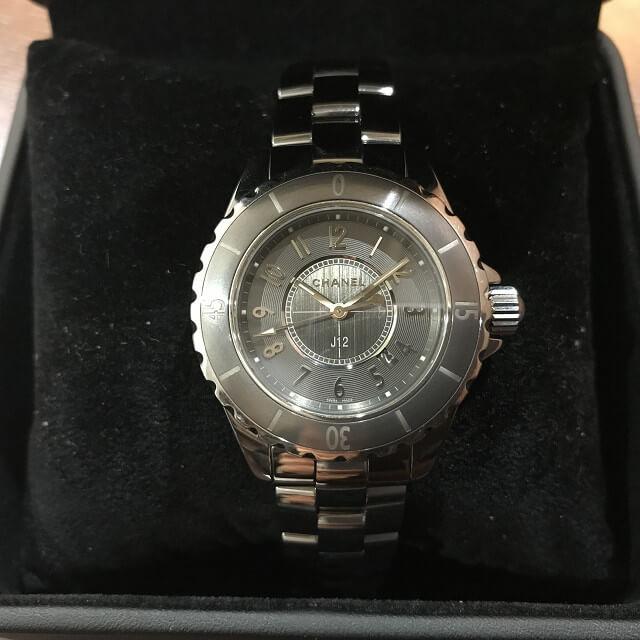 生野区北巽のお客様からシャネルの腕時計【J12】を買取_02
