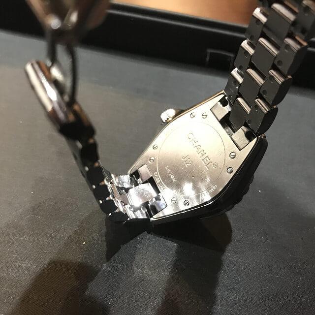 生野区北巽のお客様からシャネルの腕時計【J12】を買取_03