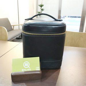 東大阪のお客様からシャネルのラムスキン【バニティバッグ】を買取
