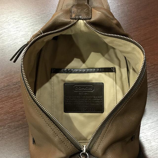 枚方店にてコーチのボディバッグを買取_02