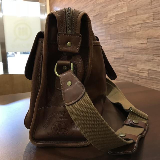 枚方店にてGHURKA(グルカ)のレザーバッグを買取_02