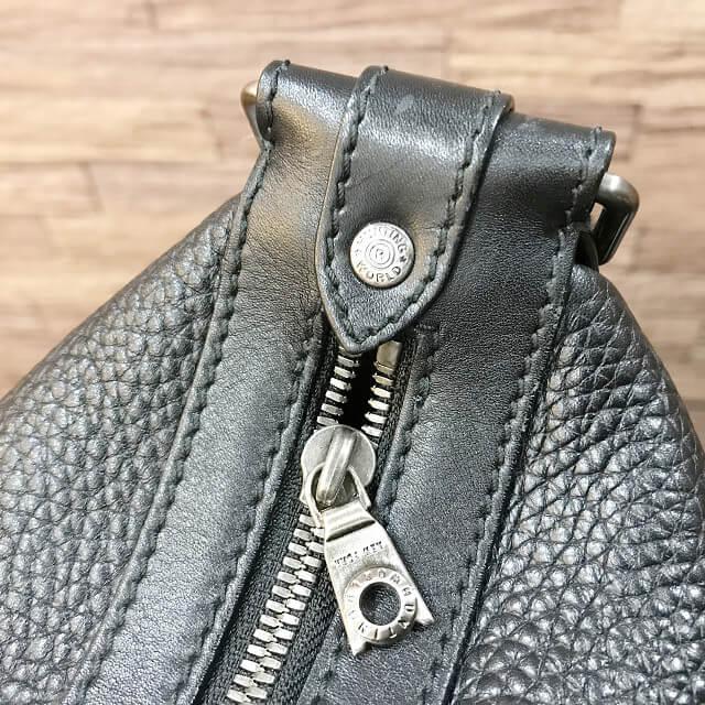 枚方店にてハンティングワールドのショルダーバッグを買取_03