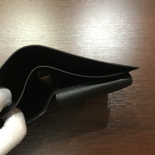 大阪でヴィトンのダミエグラフィット【ポルトフォイユマルコ】を買取_03