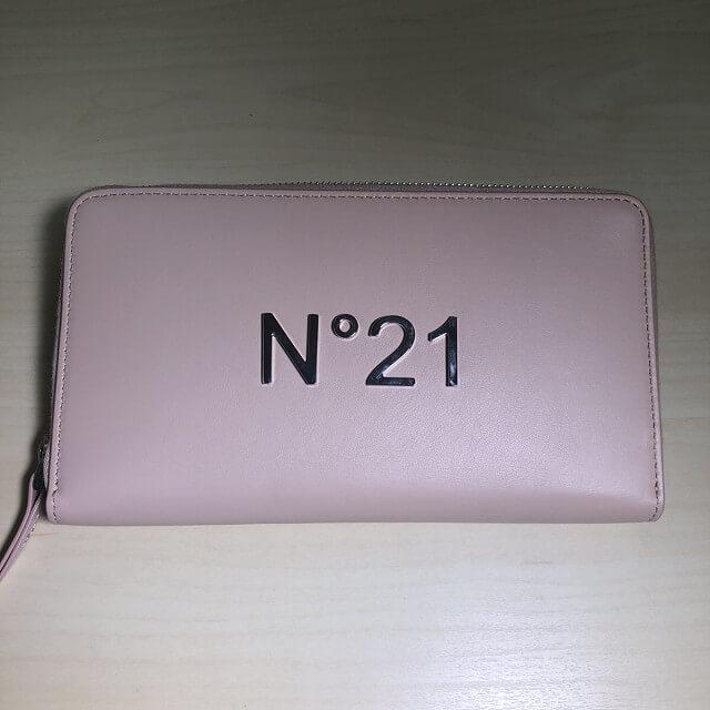 玉造のお客様からN°21(ヌメロ ヴェントゥーノ)の財布を買取_04