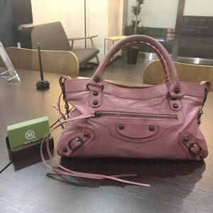 箕面のお客様からバレンシアガのエディターズバッグ【ファースト】を買取