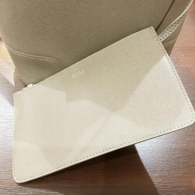 阿倍野のお客様からフルラの【ステイシー】巾着バッグを買取_03