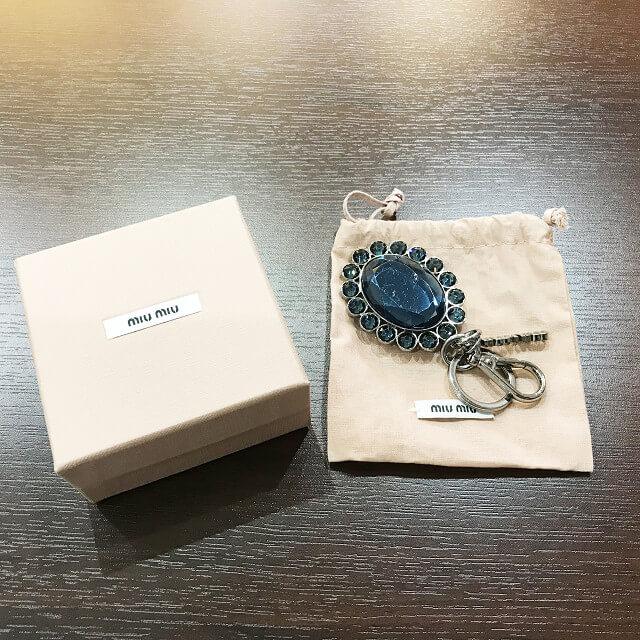 大和西大寺のお客様からミュウミュウのビジューキーホルダーを買取_02