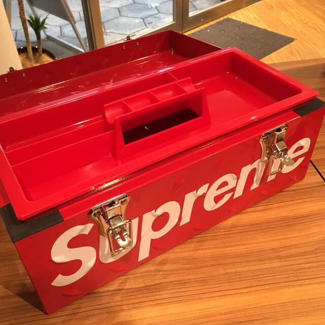 岡本のお客様からSupreme(シュプリーム)の18AW Diamond Plate Tool Boxを買取_02