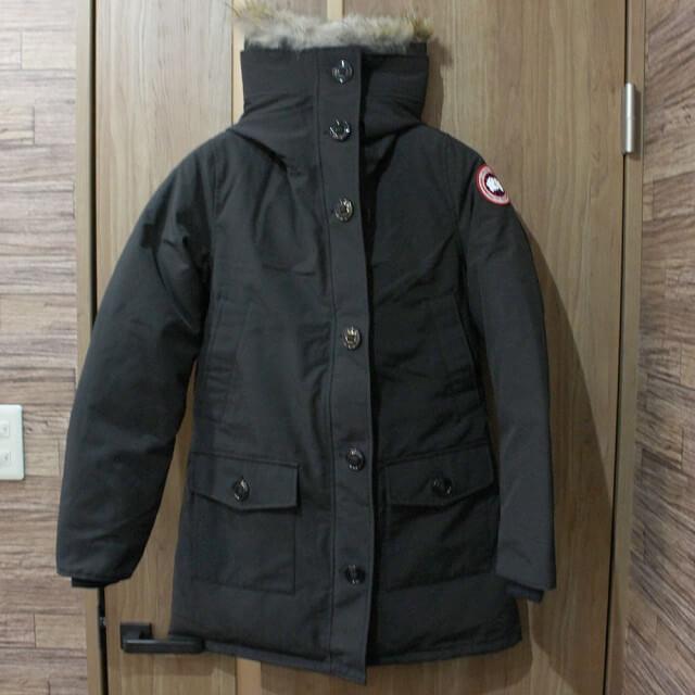 梅田のお客様からカナダグースのレディースダウンジャケット【BRONTE(ブロンテ)】を買取_01
