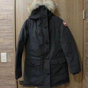 中津のお客様からカナダグースのレディースダウンジャケット【BRONTE(ブロンテ)】を買取