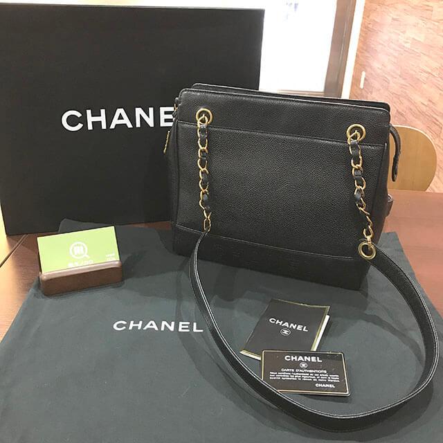 我孫子のお客様からシャネルのチェーンショルダーバッグを買取_02