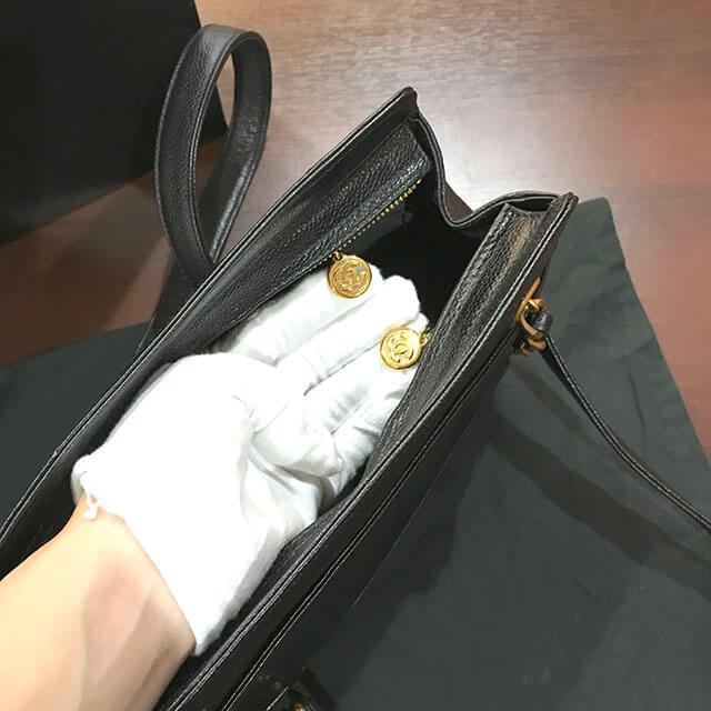 我孫子のお客様からシャネルのチェーンショルダーバッグを買取_03