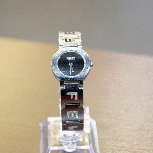 長田のお客様からフェンディの腕時計を買取_02