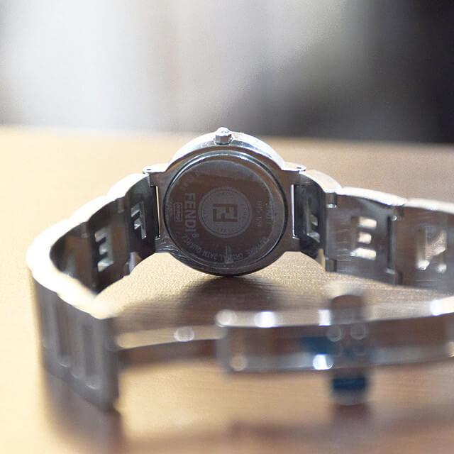 長田のお客様からフェンディの腕時計を買取_04